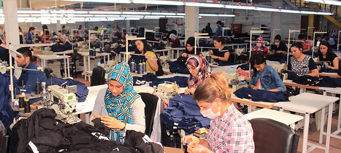 Hazır Giyim Sektörü Van'a Çıkarma Yapıyor
